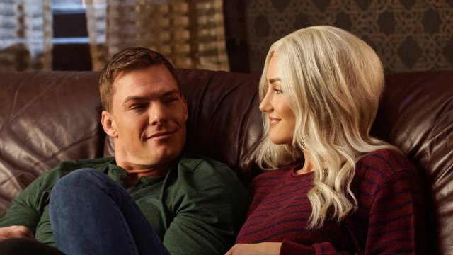 Titans Review Season 1 Episode 9 Hank And Dawn Sci Fi Bulletin
